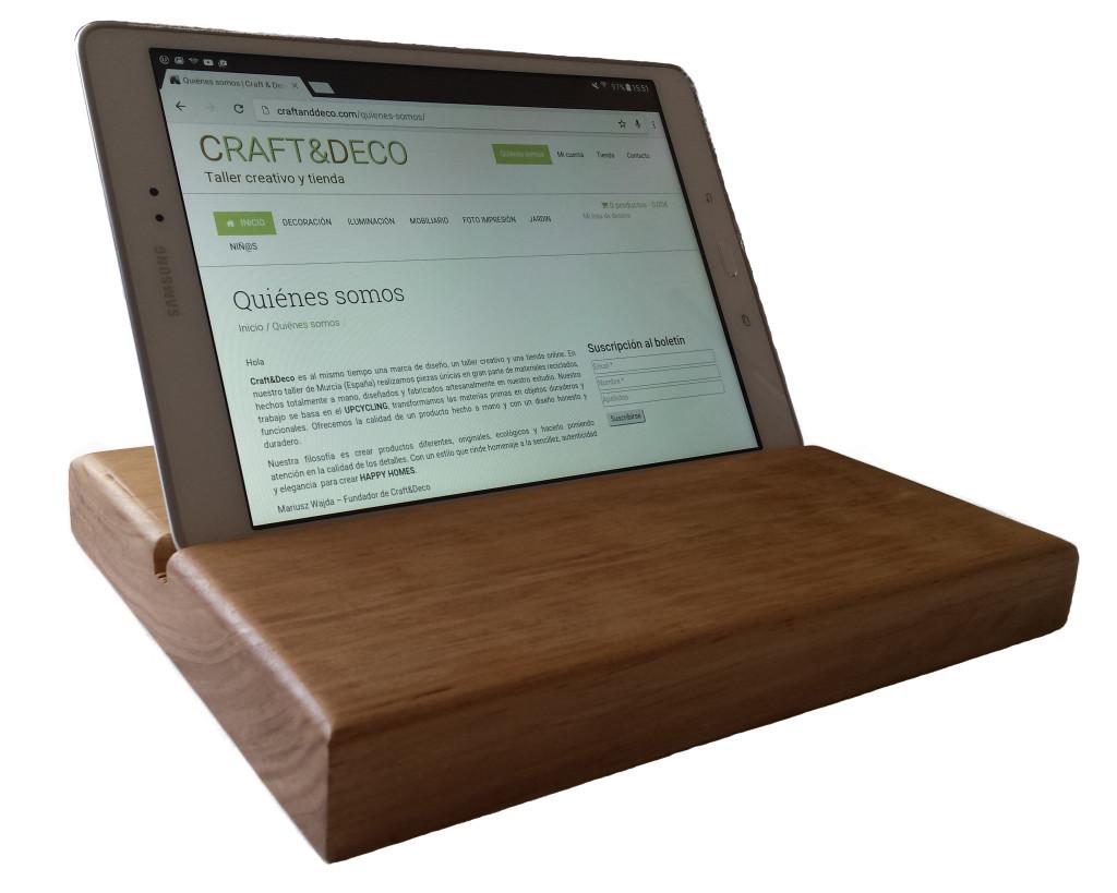Soporte para tablet soporte de madera para tablet for Soporte tablet pared